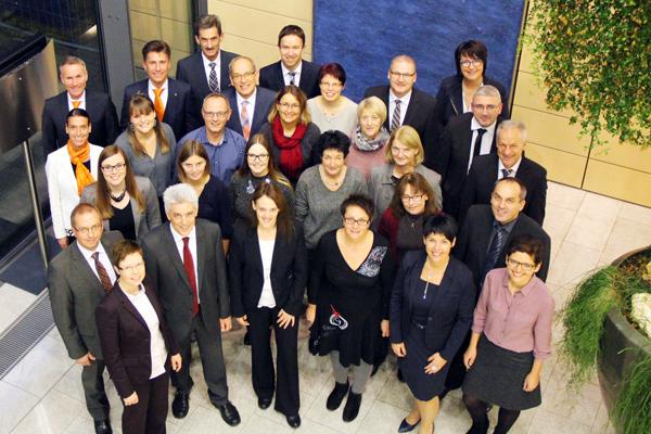 19122016 Vorstand Der Vr Bank Neu Ulm Ehrt 40 Jubilare Real Und
